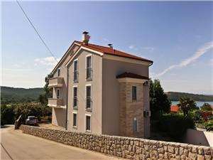 Appartementen Mihinjač Soline - eiland Krk, Kwadratuur 55,00 m2, Lucht afstand tot de zee 250 m, Lucht afstand naar het centrum 250 m