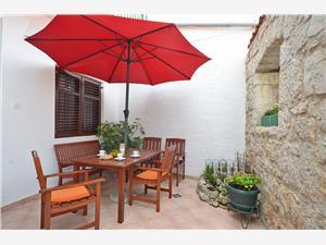 Апартамент Milka Ривьера Шибеник, квадратура 70,00 m2, Воздуха удалённость от моря 80 m, Воздух расстояние до центра города 50 m