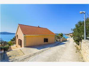 Kuće za odmor Split i Trogir rivijera,Rezerviraj Ante Od 571 kn