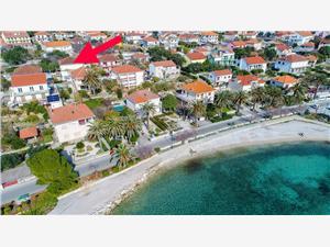 Ferienwohnungen Marina Orebic, Größe 75,00 m2, Luftlinie bis zum Meer 50 m, Entfernung vom Ortszentrum (Luftlinie) 150 m