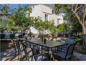Apartamenty Villa Roza Peljeszac, Powierzchnia 90,00 m2, Odległość do morze mierzona drogą powietrzną wynosi 250 m