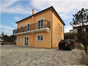 Ferienwohnungen Parašilovac Silo - Insel Krk, Größe 28,00 m2, Luftlinie bis zum Meer 50 m, Entfernung vom Ortszentrum (Luftlinie) 780 m