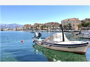Apartmán DOT Deluxe Supetar - ostrov Brac, Prostor 100,00 m2, Vzdušní vzdálenost od moře 250 m, Vzdušní vzdálenost od centra místa 700 m