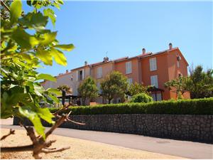 House FRLAN Soline - island Krk, Size 100.00 m2, Airline distance to the sea 20 m, Airline distance to town centre 100 m