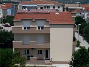 Apartmaji Lavanda Kastel Stafilic, Kvadratura 43,00 m2, Oddaljenost od morja 250 m