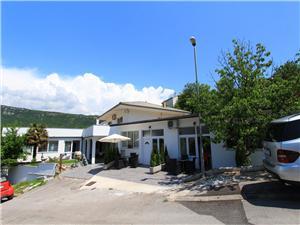Apartmaji NERO Novi Vinodolski (Crikvenica), Kvadratura 50,00 m2