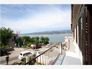 Apartmán Miksa Martin Silo - ostrov Krk, Prostor 60,00 m2, Vzdušní vzdálenost od moře 25 m, Vzdušní vzdálenost od centra místa 50 m