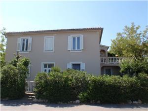 Appartement Krizmanić Silo - eiland Krk, Kwadratuur 55,00 m2, Lucht afstand tot de zee 40 m, Lucht afstand naar het centrum 80 m