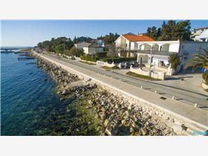 Appartement Primorska Novalja - eiland Pag, Kwadratuur 55,00 m2, Lucht afstand tot de zee 10 m, Lucht afstand naar het centrum 50 m