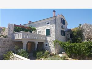 Kuća za odmor Tkon Ugrinić, Kamena kuća, Kvadratura 80,00 m2, Zračna udaljenost od mora 100 m