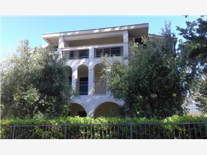 Apartmány More Kastel Luksic, Rozloha 40,00 m2, Vzdušná vzdialenosť od mora 20 m, Vzdušná vzdialenosť od centra miesta 500 m