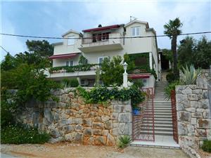 Appartement et Chambre DARINKA Les iles de la Dalmatie centrale, Superficie 40,00 m2, Distance (vol d'oiseau) jusqu'au centre ville 250 m