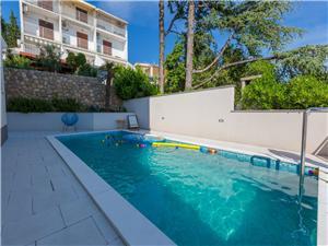 Апартамент PERLA Crikvenica, квадратура 60,00 m2, размещение с бассейном, Воздуха удалённость от моря 100 m
