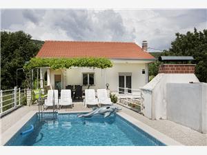 Huis Stjepan Krušvar, Kwadratuur 75,00 m2, Accommodatie met zwembad, Lucht afstand naar het centrum 600 m