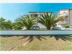 Apartmány Jambreuš Vir - ostrov Vir, Rozloha 55,00 m2, Vzdušná vzdialenosť od mora 50 m, Vzdušná vzdialenosť od centra miesta 500 m