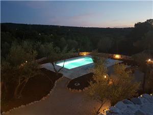 Kuća za odmor Vicencovi dvori Šilo - otok Krk, Kvadratura 80,00 m2, Smještaj s bazenom, Zračna udaljenost od centra mjesta 500 m