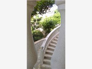 Apartmány a Izby Anita Sumartin - ostrov Brac, Rozloha 20,00 m2, Vzdušná vzdialenosť od mora 100 m, Vzdušná vzdialenosť od centra miesta 100 m