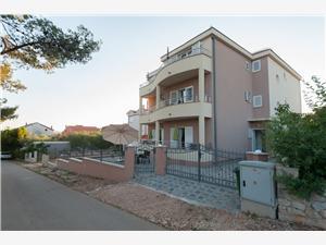 Lägenheter Emira Sukosan (Zadar),Boka Lägenheter Emira Från 759 SEK
