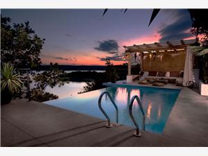 Vila FUN HAUS 2 Jadranovo (Crikvenica), Prostor 65,00 m2, Soukromé ubytování s bazénem, Vzdušní vzdálenost od moře 50 m