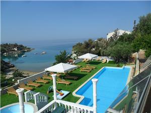 Apartmaji MACADAMS Potocnica - otok Pag, Kvadratura 40,00 m2, Namestitev z bazenom, Oddaljenost od morja 100 m