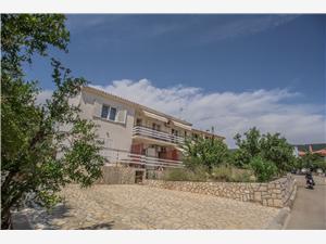 Apartmány Gorast , Prostor 105,00 m2, Vzdušní vzdálenost od moře 70 m, Vzdušní vzdálenost od centra místa 600 m
