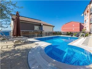 Accommodatie met zwembad LIVAYA Crikvenica,Reserveren Accommodatie met zwembad LIVAYA Vanaf 77 €