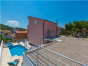Apartmány KETY Klenovica (Novi Vinodolski), Prostor 130,00 m2, Soukromé ubytování s bazénem, Vzdušní vzdálenost od moře 200 m