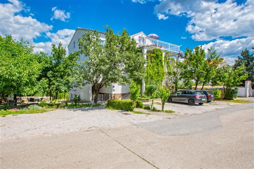 Apartamenty Tajči