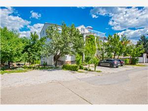 Apartmani Tajči Jadranovo (Crikvenica), Kvadratura 105,00 m2, Zračna udaljenost od centra mjesta 600 m