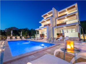 Apartmaji VILLA GRANDE Dramalj (Crikvenica), Kvadratura 24,00 m2, Namestitev z bazenom