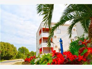 Ferienwohnungen Success Luxury Kozino, Größe 56,00 m2, Privatunterkunft mit Pool, Luftlinie bis zum Meer 100 m