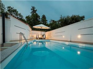 Apartmán VILLA ZDENKA Crikvenica, Prostor 130,00 m2, Soukromé ubytování s bazénem, Vzdušní vzdálenost od centra místa 900 m