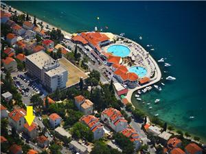 Apartmani Pekera Selce (Crikvenica), Kvadratura 55,00 m2, Zračna udaljenost od mora 70 m, Zračna udaljenost od centra mjesta 400 m