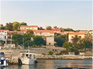 Beachfront accommodation North Dalmatian islands,Book Suzana From 46 €
