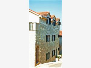 Appartementen Luna Splitska - eiland Brac,Reserveren Appartementen Luna Vanaf 146 €