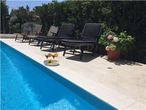 Ferienwohnungen Olivia Kastel Novi, Größe 52,00 m2, Privatunterkunft mit Pool, Entfernung vom Ortszentrum (Luftlinie) 350 m