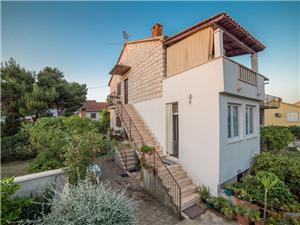 Appartamenti Domina Mirca - isola di Brac,Prenoti Appartamenti Domina Da 94 €