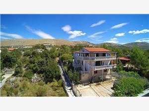 Ferienwohnungen Nediljka Grebastica, Größe 56,00 m2, Luftlinie bis zum Meer 50 m, Entfernung vom Ortszentrum (Luftlinie) 200 m
