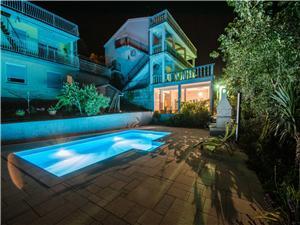 Apartmani IVANO Dramalj (Crikvenica), Kvadratura 30,00 m2, Smještaj s bazenom