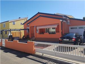 Huis Floreani , Kwadratuur 100,00 m2, Lucht afstand tot de zee 100 m, Lucht afstand naar het centrum 400 m