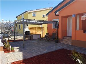 Prázdninové domy Floreani Vir - ostrov Vir,Rezervuj Prázdninové domy Floreani Od 4126 kč