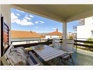Appartementen Greta Okrug Gornji (Ciovo),Reserveren Appartementen Greta Vanaf 117 €