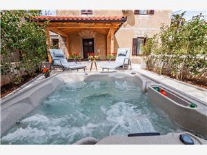 Kuća za odmor Villa Augustina Sukošan (Zadar), Kvadratura 60,00 m2, Zračna udaljenost od mora 250 m, Zračna udaljenost od centra mjesta 30 m