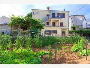 Appartamenti Iva Malinska - isola di Krk,Prenoti Appartamenti Iva Da 94 €