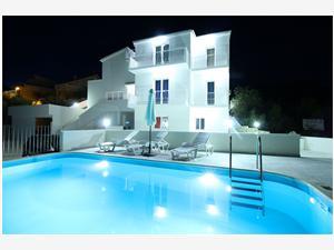 Apartmán Anka Primosten, Rozloha 90,00 m2, Ubytovanie sbazénom, Vzdušná vzdialenosť od centra miesta 750 m
