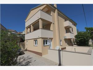 Appartementen MATIČIĆ Silo - eiland Krk, Kwadratuur 60,00 m2, Lucht afstand tot de zee 250 m, Lucht afstand naar het centrum 250 m