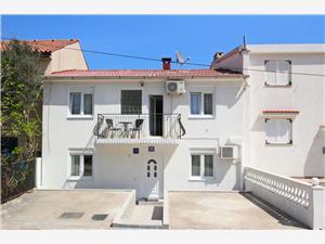 Apartamenty Fantov Zarok Baska - wyspa Krk, Powierzchnia 12,00 m2, Odległość do morze mierzona drogą powietrzną wynosi 250 m, Odległość od centrum miasta, przez powietrze jest mierzona 700 m