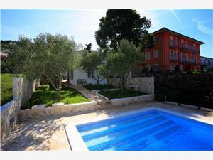 Hiša KIA , Namestitev z bazenom, Oddaljenost od morja 100 m, Oddaljenost od centra 100 m