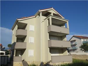Apartmá DENIS Novalja - ostrov Pag, Prostor 38,00 m2, Vzdušní vzdálenost od centra místa 300 m