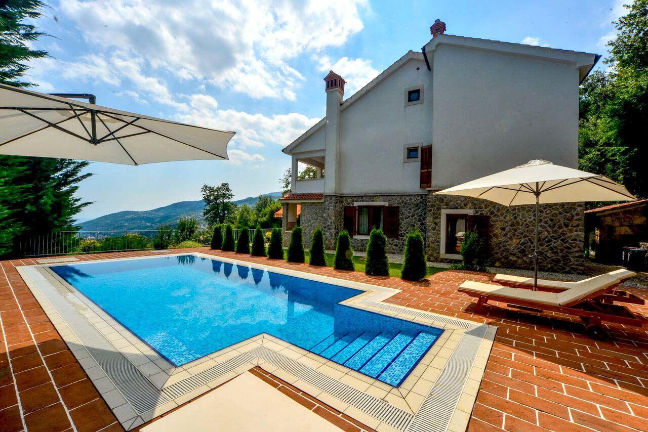 Hébergement avec piscine Les iles du Kvarner,Réservez Harmonia De 842 €